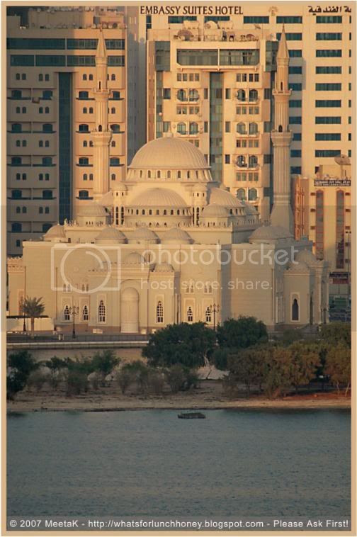 Mosque in Sharjah by MeetaK