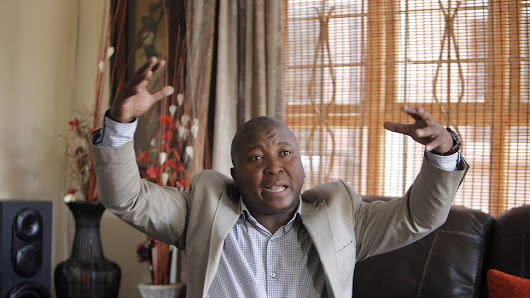 """Fake"" Mandela Interpreter Was Charged With Murder, Rape, Kidnapping"
