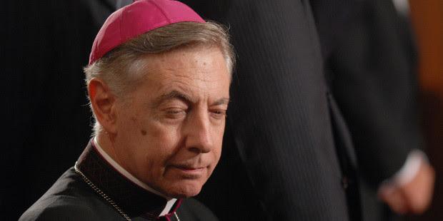 Mons. Aguer recuerda a sus sacerdotes que no pueden bendecir uniones adúlteras ni fornicarias