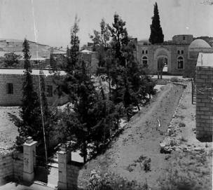 A View of Osman Manzil, the main building in Zawiyat Hindiyyah, 1945.