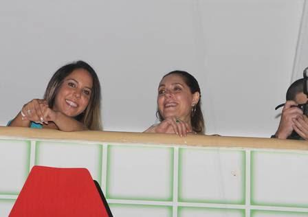 Mulher Melão e Christiane Torloni dividem camarote