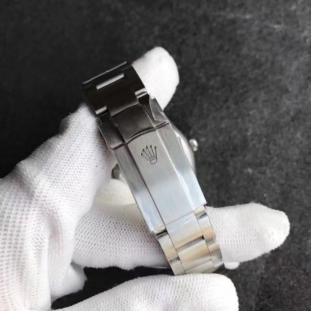 Replica Rolex Oyster Perpetual 114300 Buckle