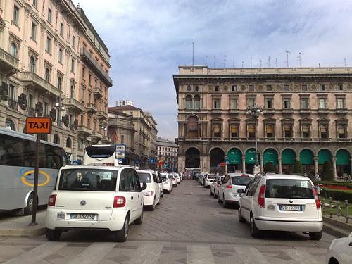 Taxi Duomo by durishti