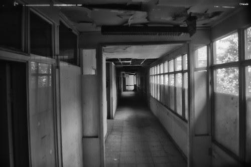 En vivo conversando con un fantasma en el ex hospital San José. by Alejandro Bonilla