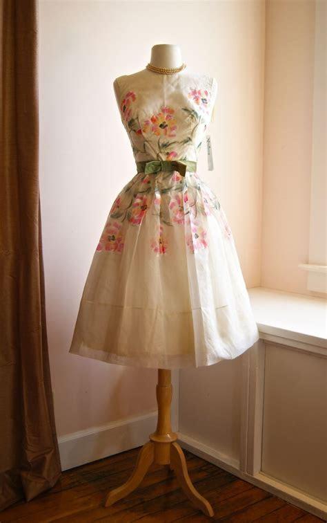 17 Best ideas about Vintage Dresses 1960s on Pinterest