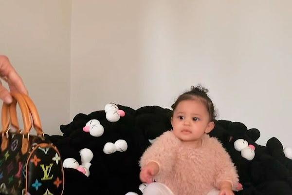 6b2747b27 Kim Kardashian regala un bolso de Louis Vuitton a sus hijas y sus sobrinas