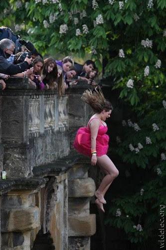 jump woman1
