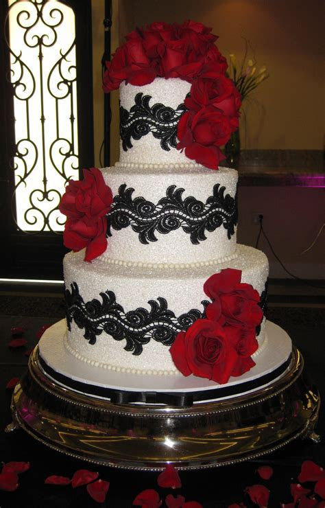 Black, white and red wedding Cake   Ideas for Laura & Mijo