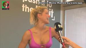 Beatriz Moniz Ramos sensual no programa Selfie