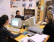 Un'immagine di lavoratori in un ufficio