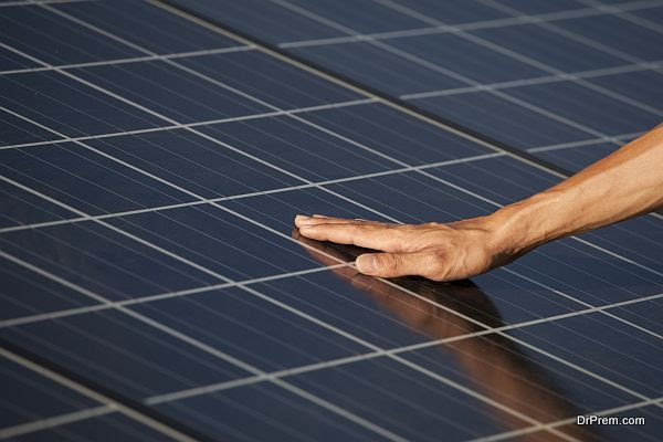 Hand touching for photovoltaic panels solar field