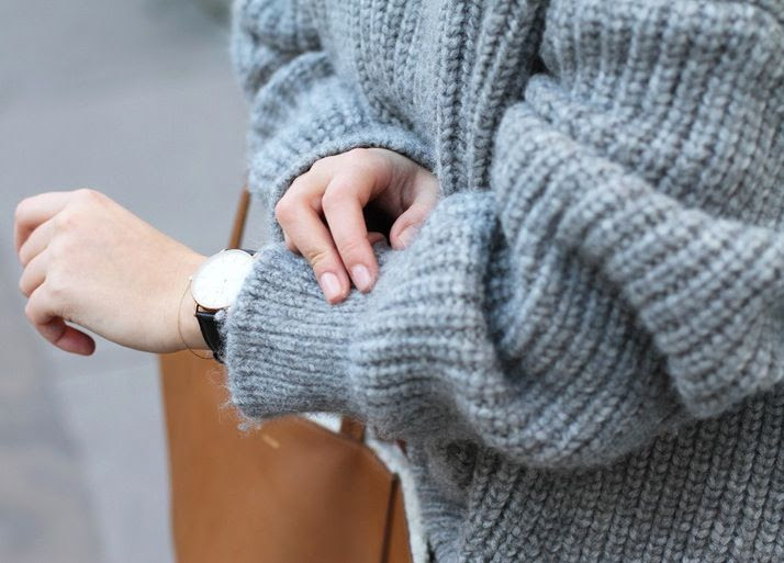 Le Fashion Blog The Perfect Chunky Sweater Mija Creators Of Desire Grey Ribbed Knit Daniel Wellington Watch photo Le-Fashion-Blog-The-Perfect-Chunky-Sweater-Mija-Creators-Of-Desire-Grey-Ribbed-Knit-Daniel-Wellington-Watch.jpg