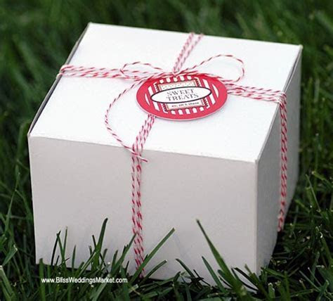 Laptop Bride: Cake Slice Boxes With Bakers Twine   So