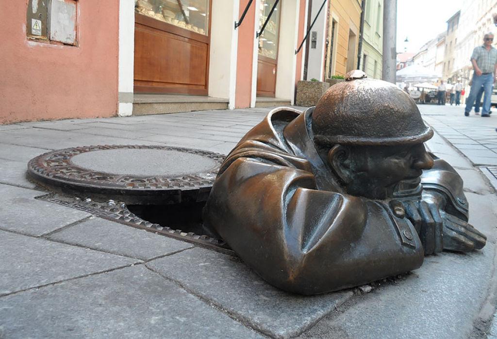 25 esculturas e estátuas criativas de todo o mundo 19