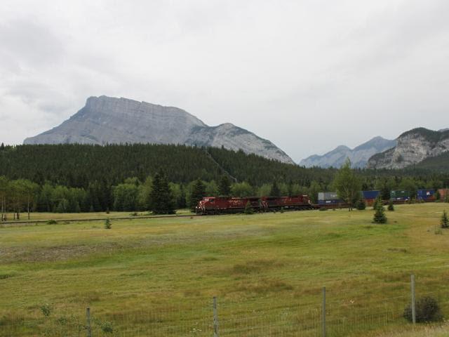 CP 9559 in Banff