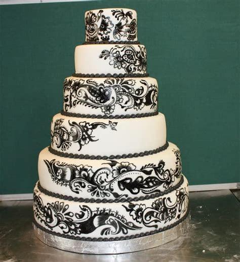 Top 33 Fantastic Henna Wedding Cake Designs ? SheIdeas