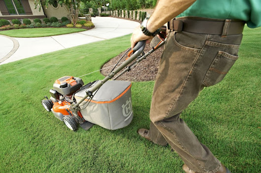 Sharp Mower Blades Important | Vin's Total Care Landscaping