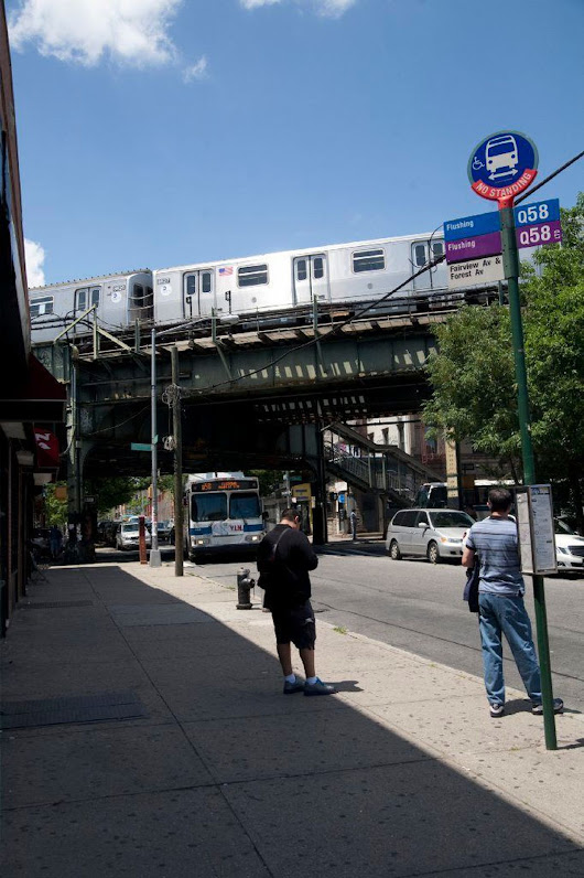 Man run over by M train in Queens - NY Daily News
