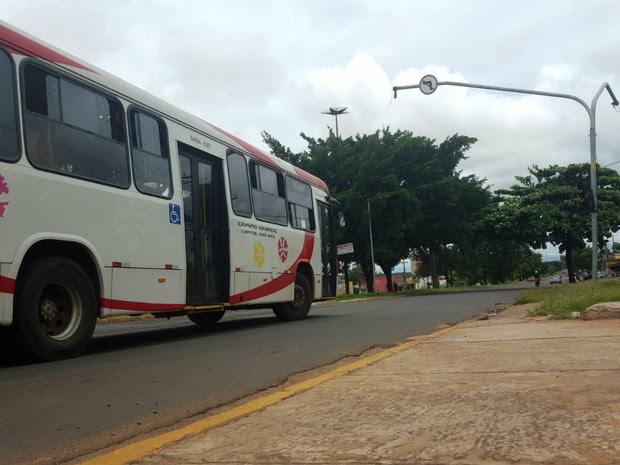 Ônibus foi furtado ao lado de terminal em Campo Grande (Foto: Sérgio Pavão/ Arquivo Pessoal)