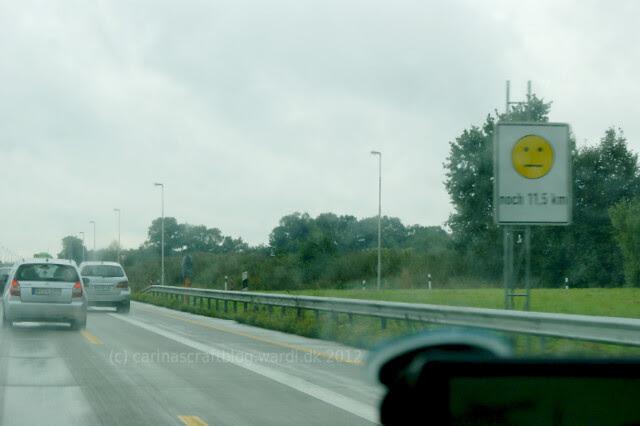 Yellow roadworks smiley - Germany