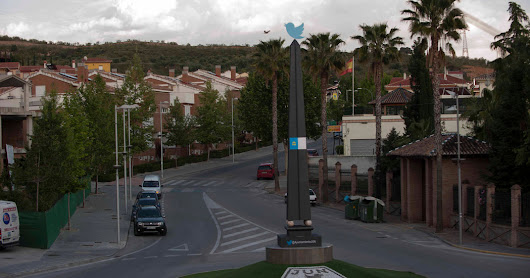 The Spanish Town That Runs on Twitter - The New York Times