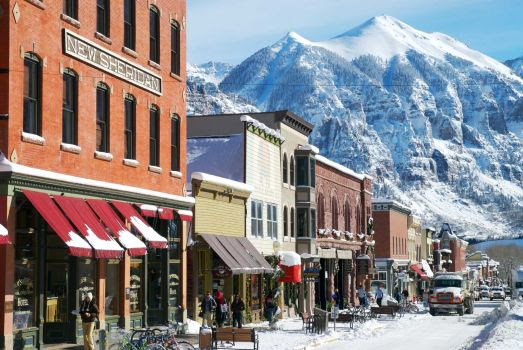 6 Reasons You Should Move to a Ski Town this Fall - Skis.com Blog