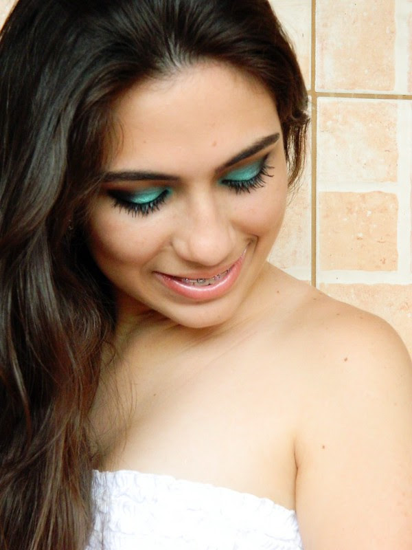 MAKE JULIANA LEITE maquiagem verde shimmer eye shadow green 061