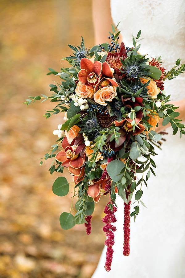 trailing autumn wedding bouquet