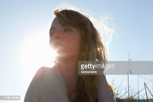 Girl looking to side : Stock Photo
