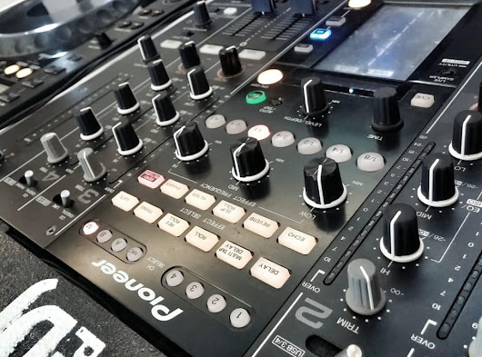 The best professional DJ mixers on the planet - Global Djs Guide