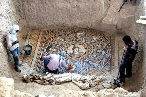 Twisted Sifter Site: Three new mosaics were recently discovered in the ancient Greek city of Zeugma,...
