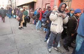 Bien qu'elles aient un emploi, de nombreuses familles ont besoin de coupons alimentaires pour joindre les deux bouts.