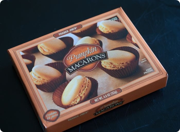trader joe's pumpkin macarons review