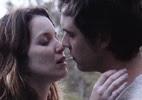 Laura e Caíque se reencontram e trocam juras de amor em
