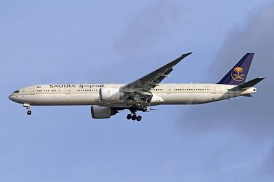 Saudia (Saudi Arabian Airlines) Boeing 777-368 ER HZ-AK19 (msn 41056) (revised tail logo) IAD (Brian McDonough). Image: 921358.