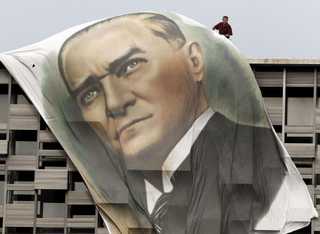 Έρχεται η ώρα της Τουρκίας - Η οικονομική κρίση προ των πυλών - Ποιοι προειδοποιούν