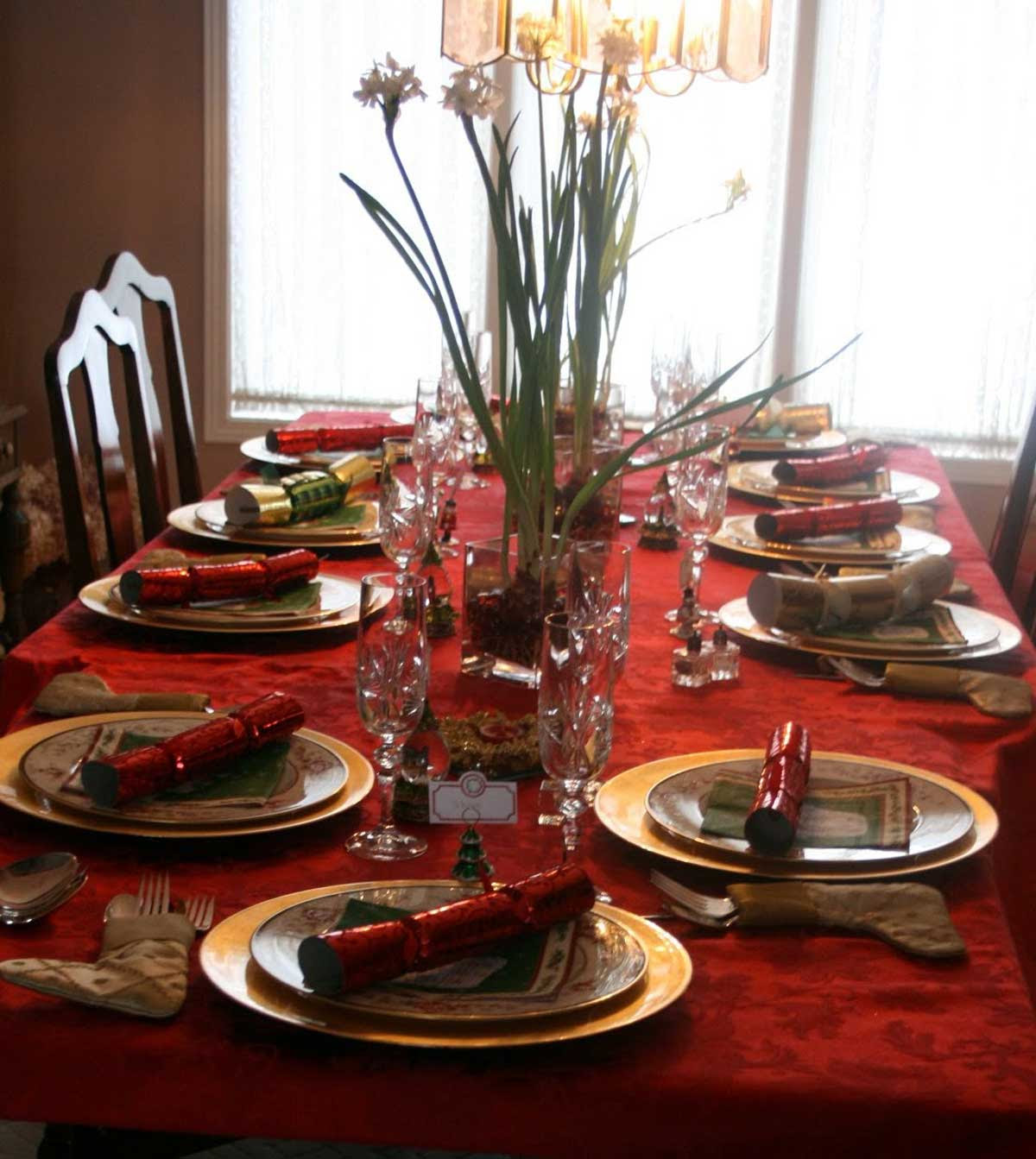 Decorating Your Dining Table | CozyHouze.com