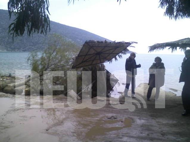 Η στιγμή που τα νερά του Μόρνου κατακλύζουν το Σαράντι Βοιωτίας - Βίντεο ντοκουμέντο