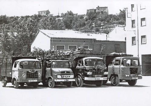 Camions Nazar i Ebro de l'empresa TRANSPORTS COTXARRERA de Gironella (Berguedà)