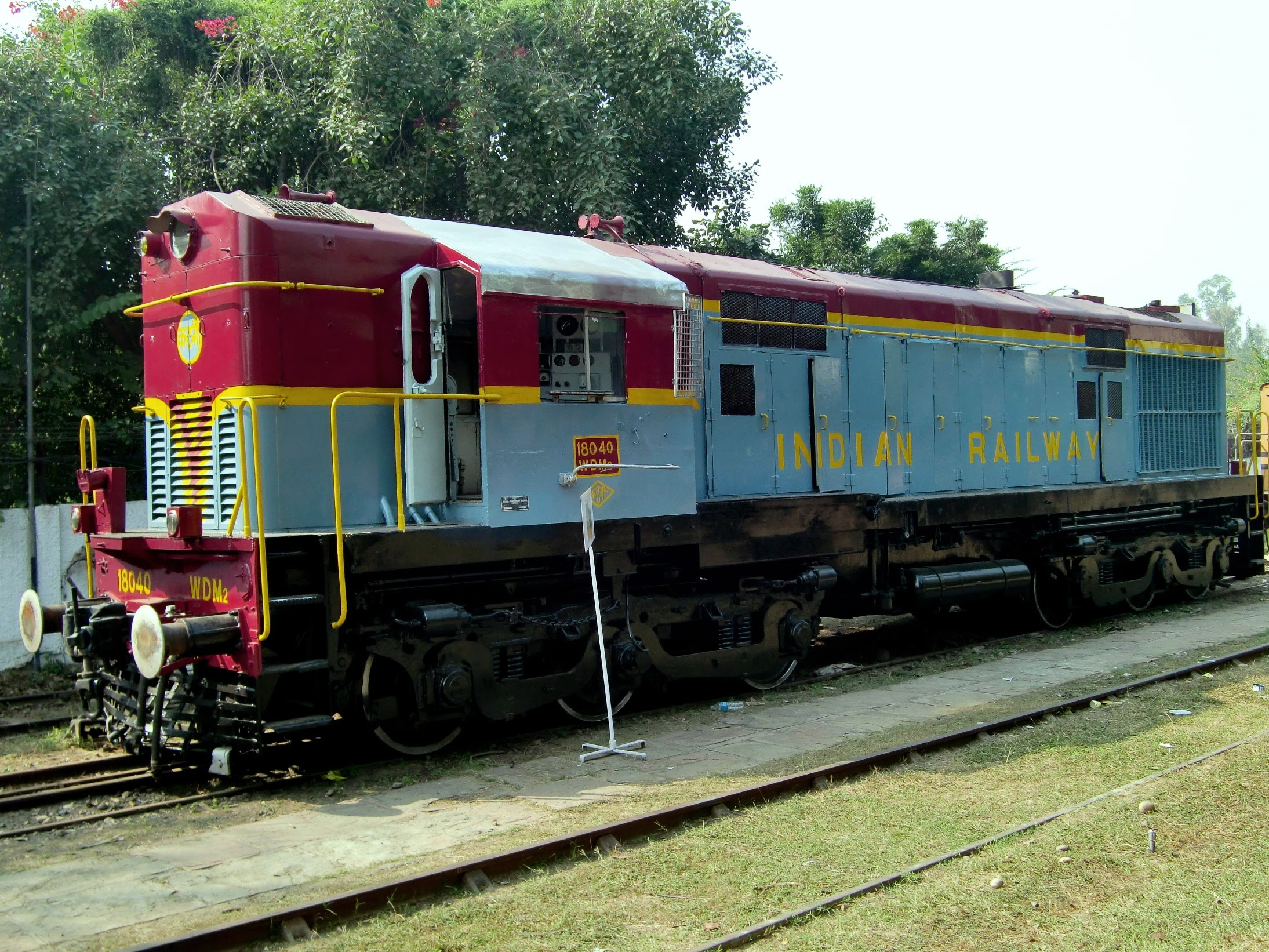 Indian diesel loco WDM2.jpg