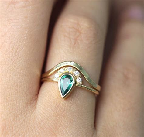 Emerald Engagement Ring with Pave Diamonds Crown ? ARTEMER
