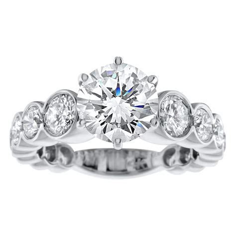14kt white gold Engagement Ring With Center Diamond 2.10ct
