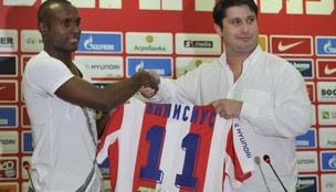 Vinicius Pacheco no Estrela Vermelha (Foto: Reprodução Blic)