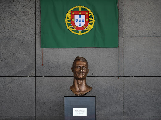 Seven questions we have about Ronaldo's new statue outside Madeira airport
