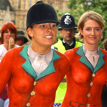 England sexy body painted girls
