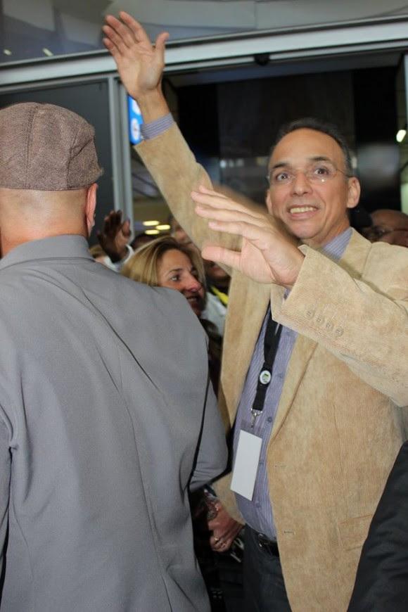 Los Cinco en Sudáfrica. Antonio Guerrero en el Recibimiento Popular en el Aeropuerto. Foto: Deisy Francis Mexidor / Cubadebate
