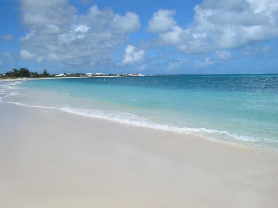 grace-bay-beach-at-t
