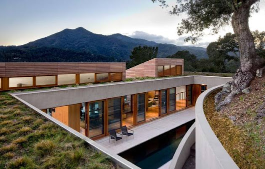 Living Roof on Slope House Merges Beautifully with California Hillside