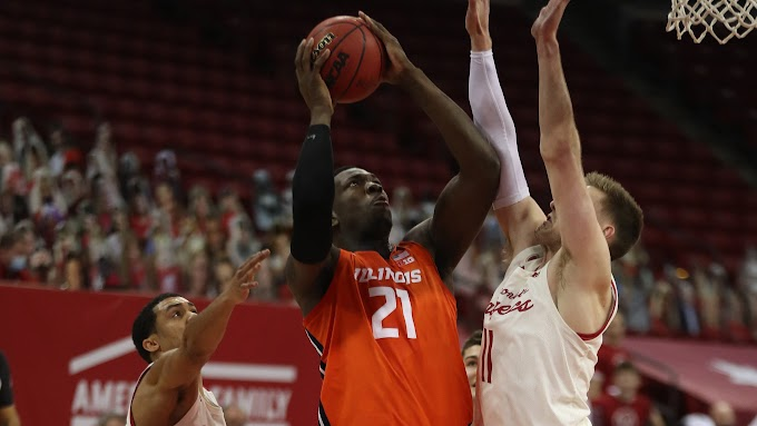 Badgers furious rally falls short as No. 4 Illinois sweeps No. 24 Wisconsin