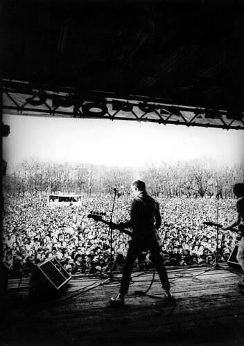 the-clash-paul-simonon-onstage